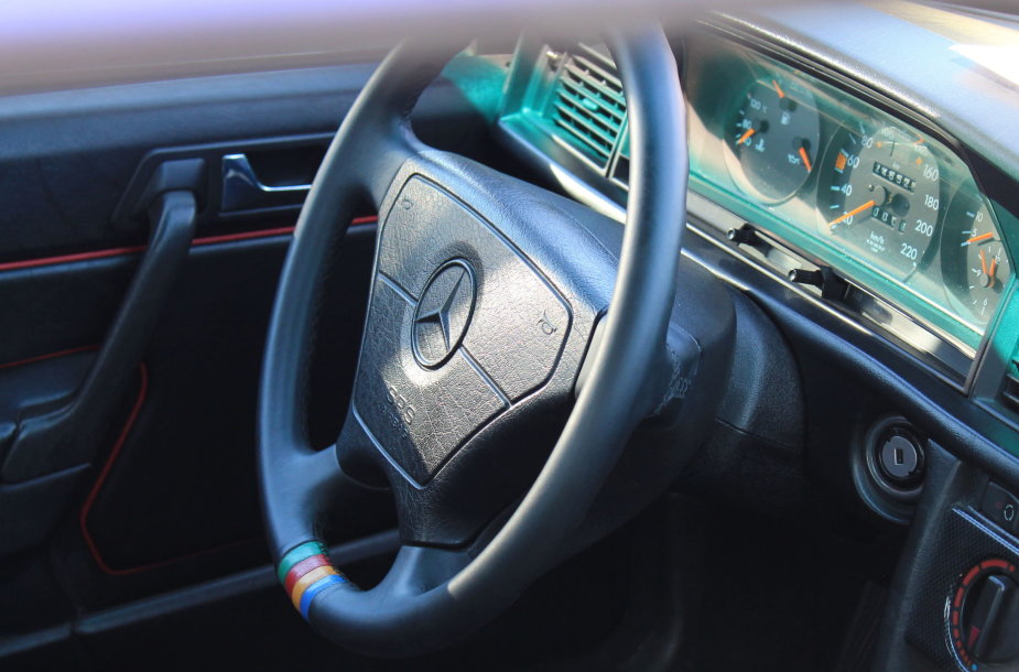 """""""Mercedes-Benz"""" gerbėjų šventėje – išskirtiniai automobiliai"""