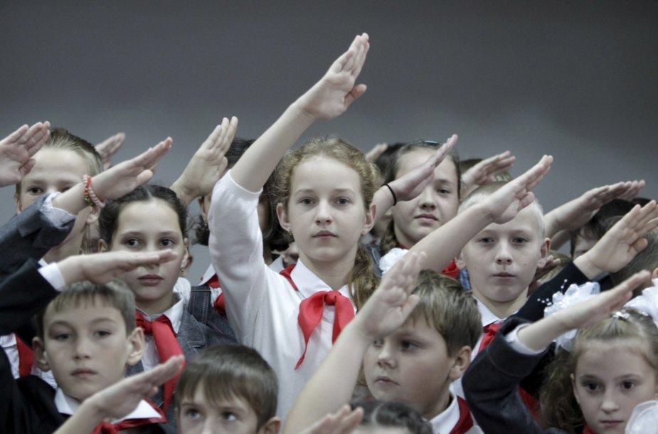 Rusijoje tęsiama pionierių judėjimo veikla