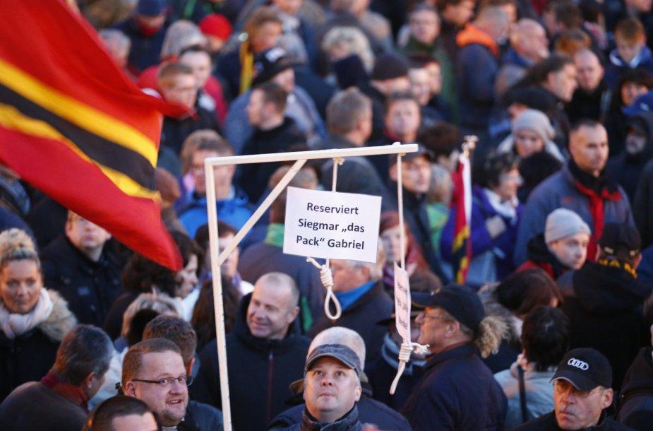 Vokietijos radikalai reikalauja ministr S.Gabrielio galvos