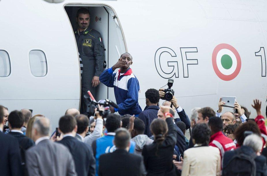 Pabėgliai išvyksta iš Italijos
