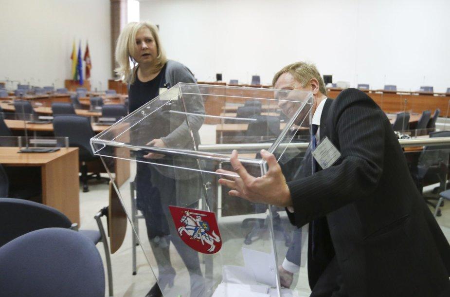 Dalia Grybauskaitė iš anksto balsavo savivaldybių tarybų rinkimų antrame ture