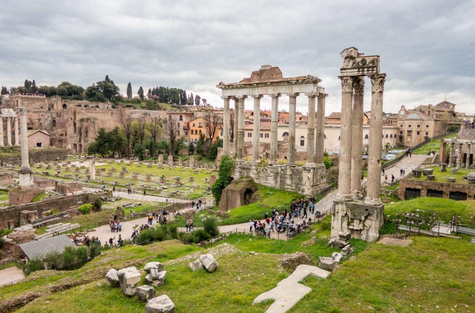 Kovas ir balandžio pradžia – gražiausias laikas aplankyti Romą
