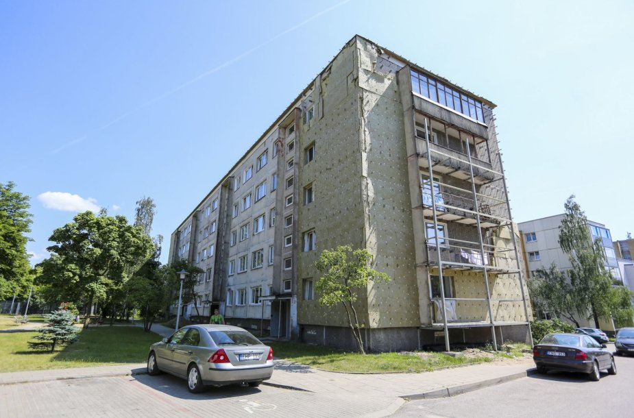 Nebaigtas renovuoti Vilniaus Žirmūnų g. daugiabutis