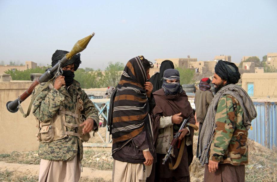 Talibano kovotojai – ar juos ginkluoja Rusija?