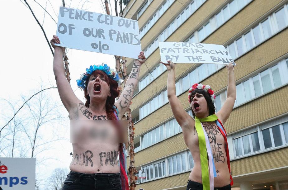 Mike'ą Pence'ą pasitiko apsinuoginusios protestuotojos