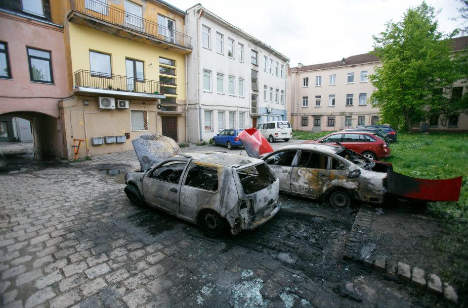 Padegti automobiliai