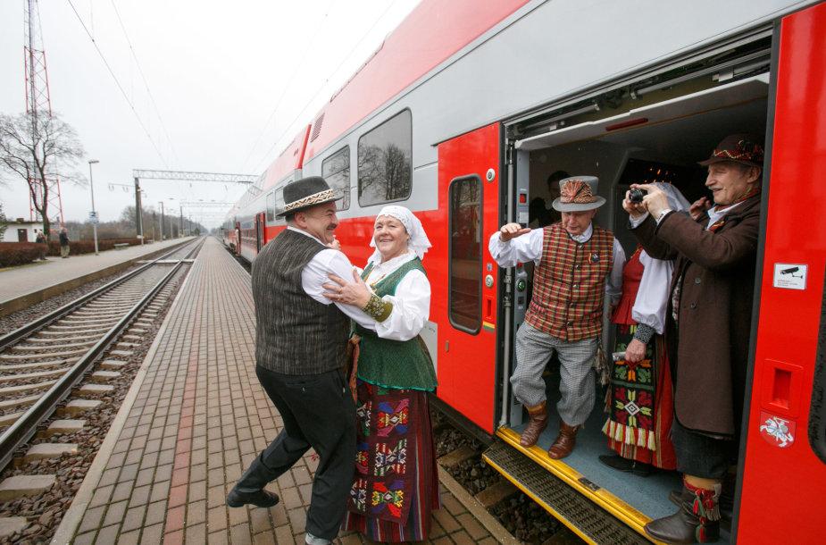 Dainuojantis traukinys