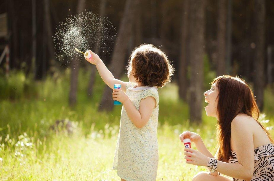 Leiskite vaikams mėgautis buvimu kartu ir žaidimu