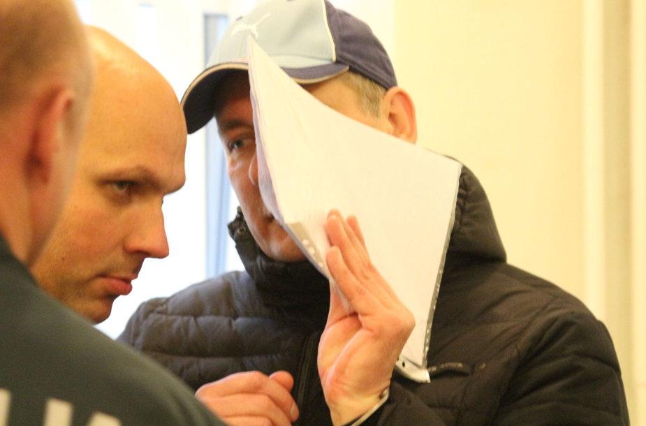 Prieš mylimąją smurtavęs Saulius Korženka teismo sprendimu pataisos namuose praleis trejus metus.