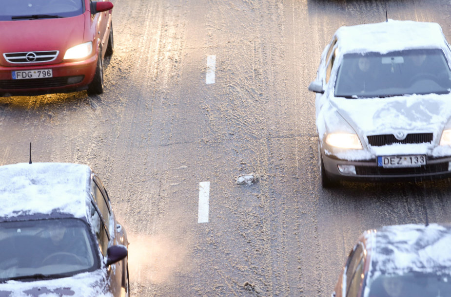 Vilniuje – sudėtingos eismo sąlygos