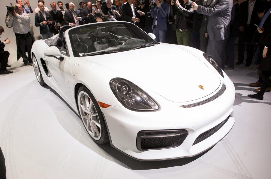 """Porsche Boxster Spyder"" premjera Niujorko automobilių parodoje"