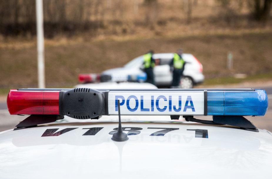 Policijos rytinis reidas