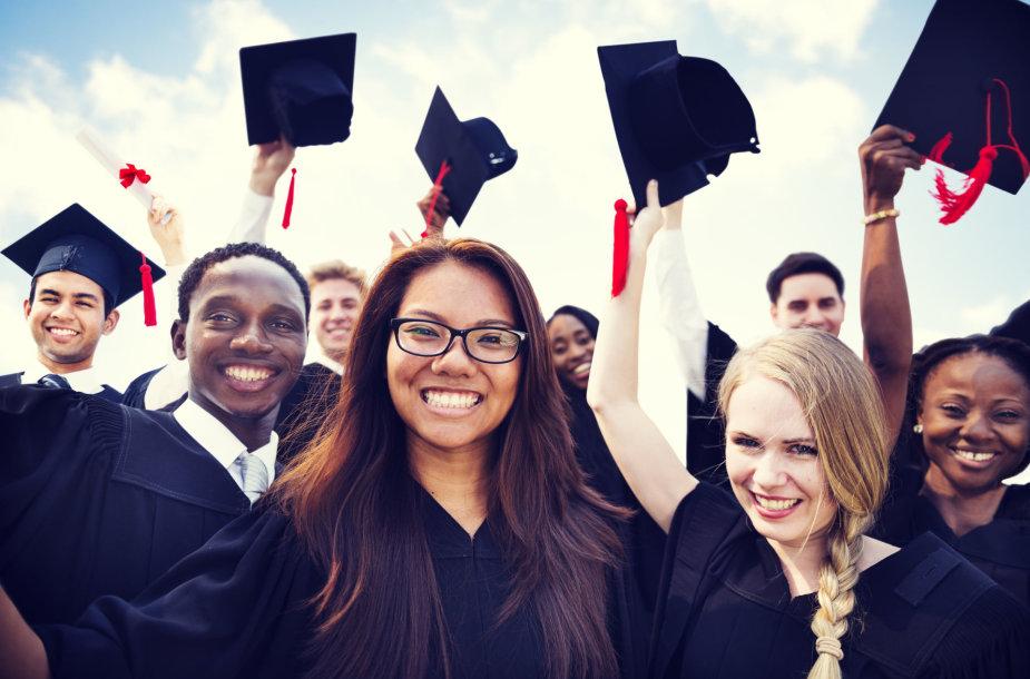 Diplomų įteikimas / 123rf.com nuotr