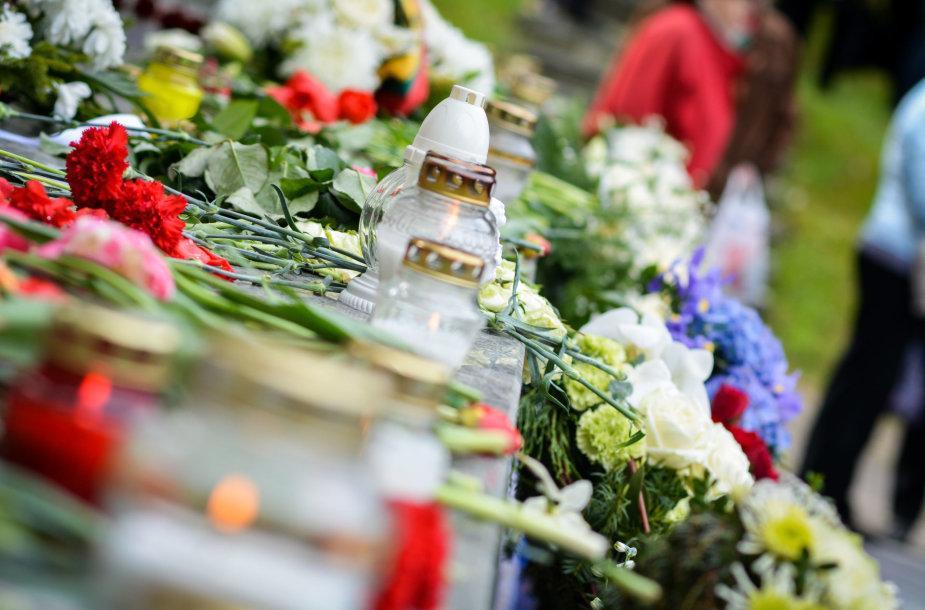 Gegužės 9-osios minėjimas Antakalnio kapinėse