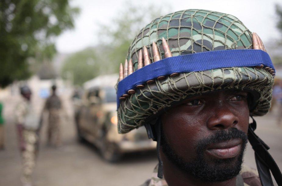 Nigerijos kariuomenės karys.