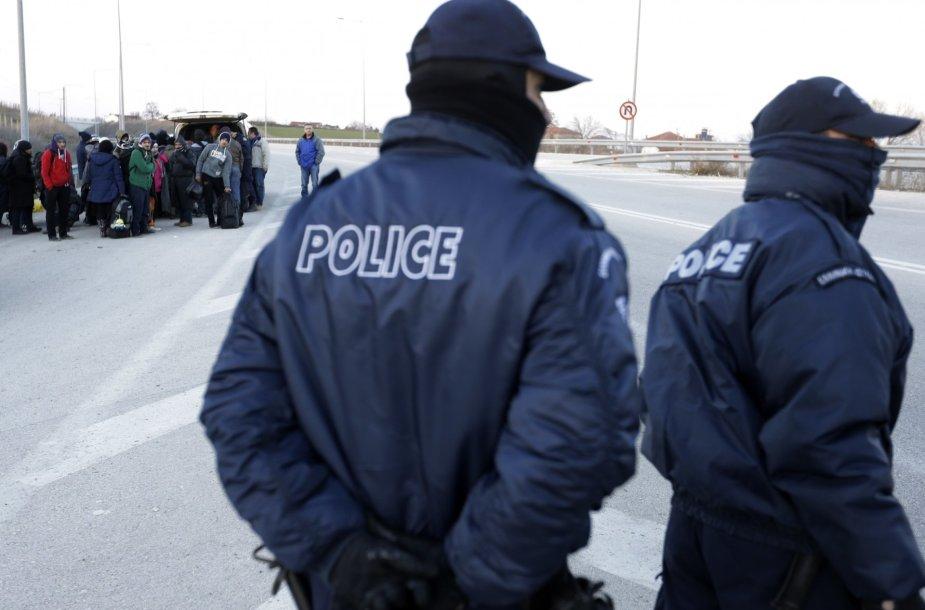 Policija sulaiko migrantų grupę