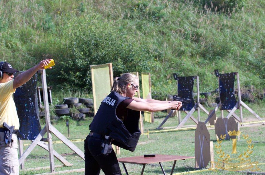 """Policijos pareigūnų pistoletų praktinio šaudymo varžybos """"Alytaus apskrities šaulys 2016"""""""