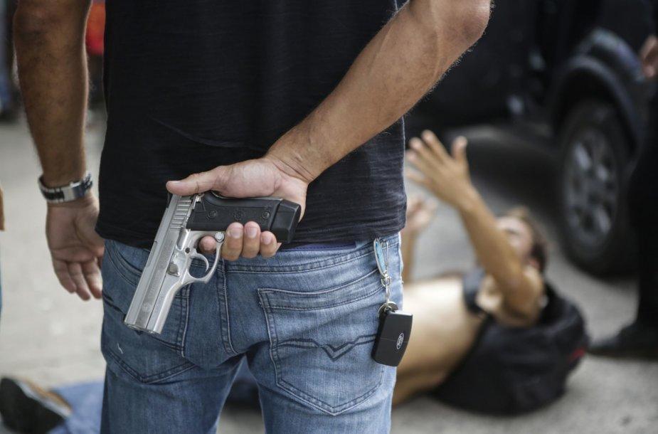 Brazilijos Espirito Santo valstijos policijai paskelbus streiką kilo chaosas
