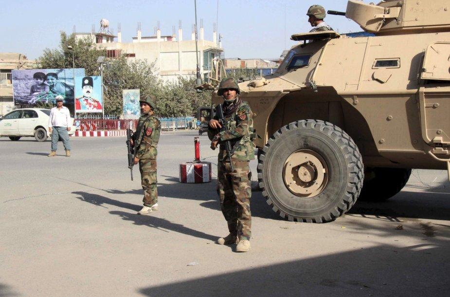 Afganistano kariai bando blokuoti kelią prie Kandūzo