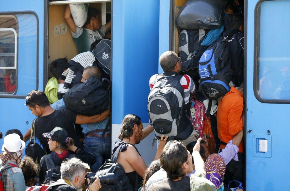 Migrantai traukiniuose