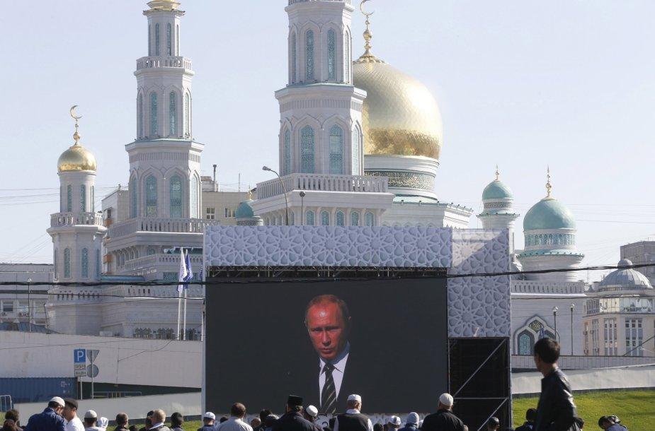 Putinas dalyvavo didžiulės mečetės atidaryme Maskvoje