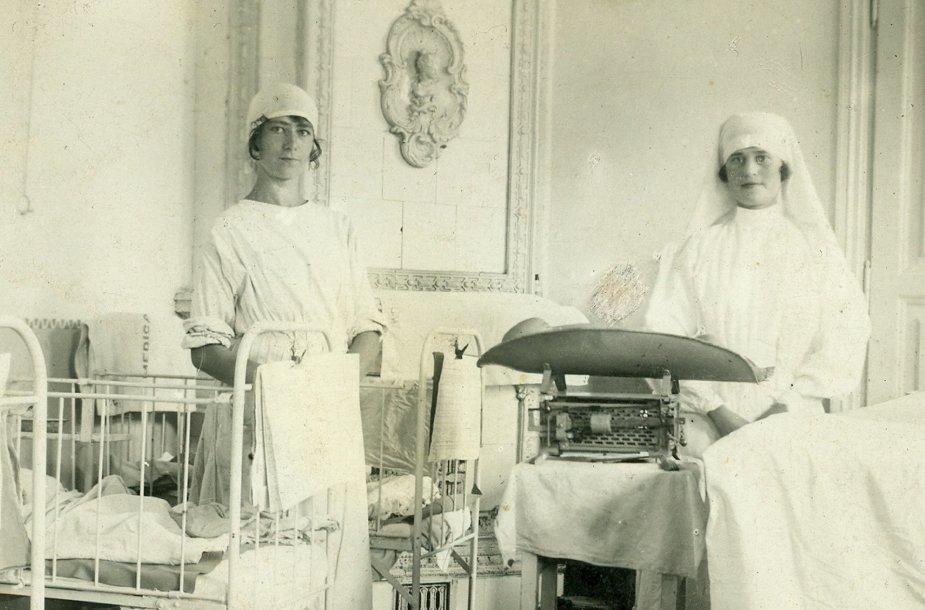 Gimdymas ligoninėje, 1927 m