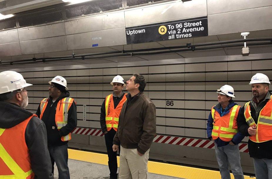 Niujorke po 50 metų pertraukos atidarytos trys naujos metro stotys.
