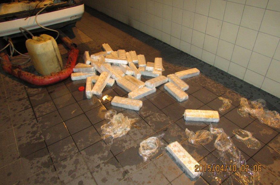 Degalų bake buvo paslėptos kontrabandinės cigaretės