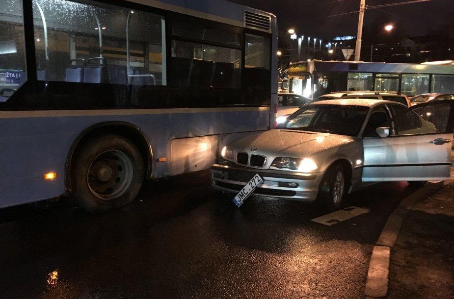 Antradienio vakaro avariją prie Žaliojo tilto Vilniuje