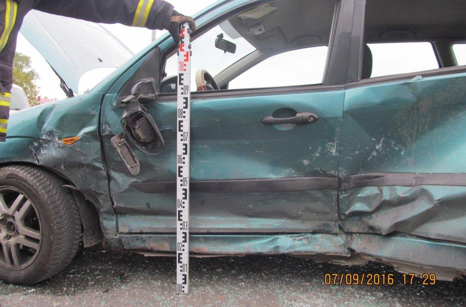 Šiauliuose per avariją vienas iš trijų sužeistųjų skubiai išgabentas į ligoninę