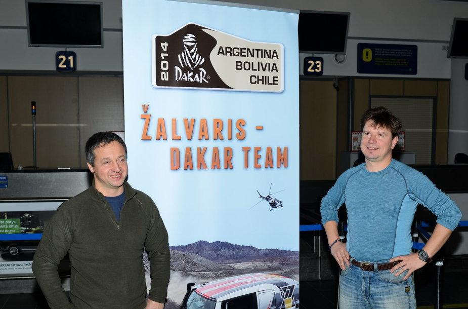 """""""Žalvaris-Dakar"""" komanda išskrido į Dakaro ralį"""