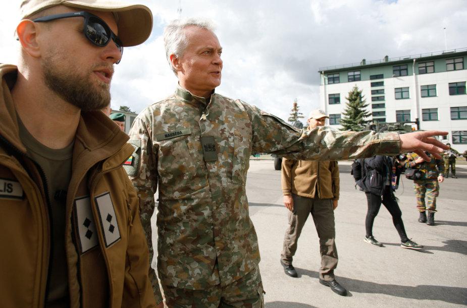 Prezidento susitikimas su kariais
