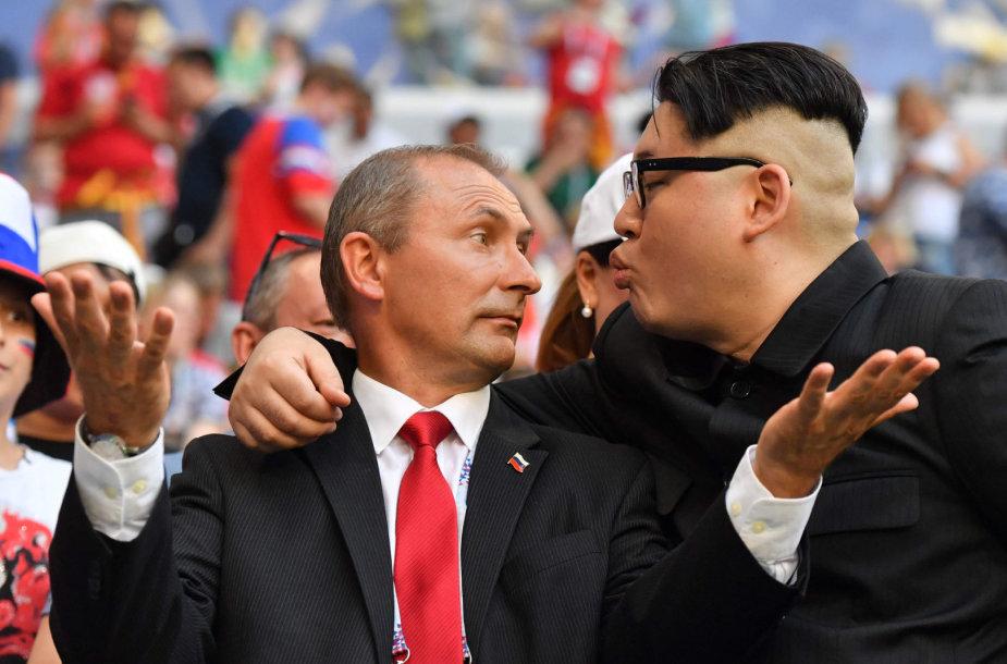Aktoriai mėgdžioja Vladimirą Putiną ir Kim Jong Uną