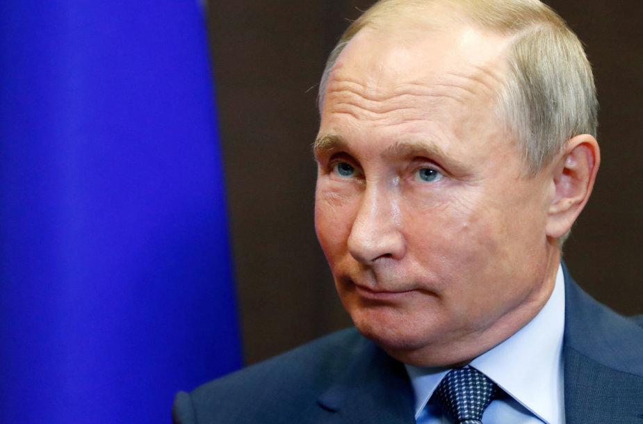 Vladimiras Putinas JAV sankcijas vadina beprasmiškomis ir bevaisėmis