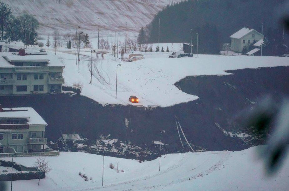 Norvegijoje dėl žemės nuošliaužos evakuota šimtai žmonių