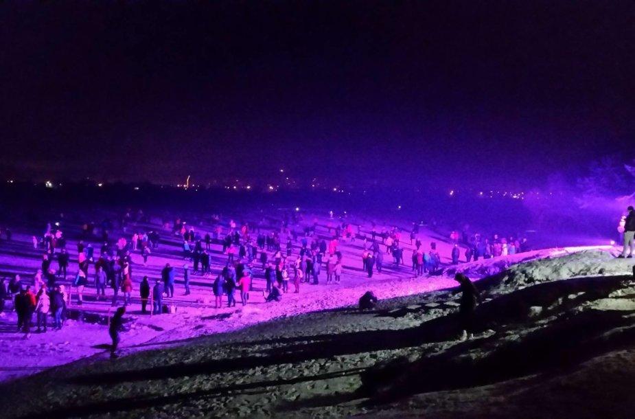 KTU dėstytojo organizuota čiuožykla ant Lampėdžio ežero