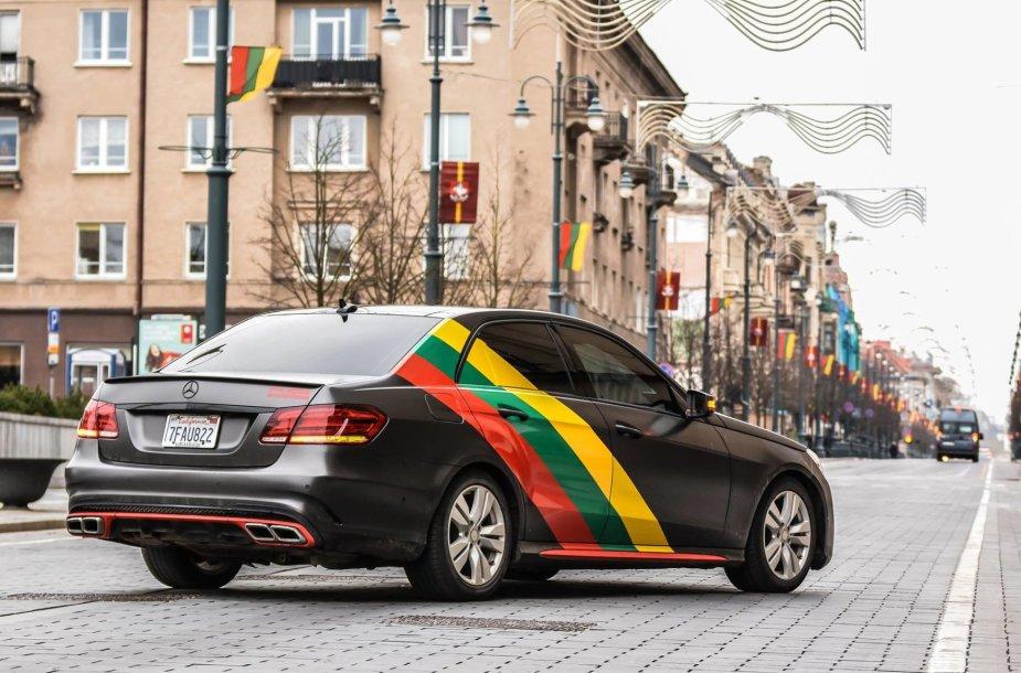 "Vlado Noreiko patobulintas ""Mercedes E 550"""