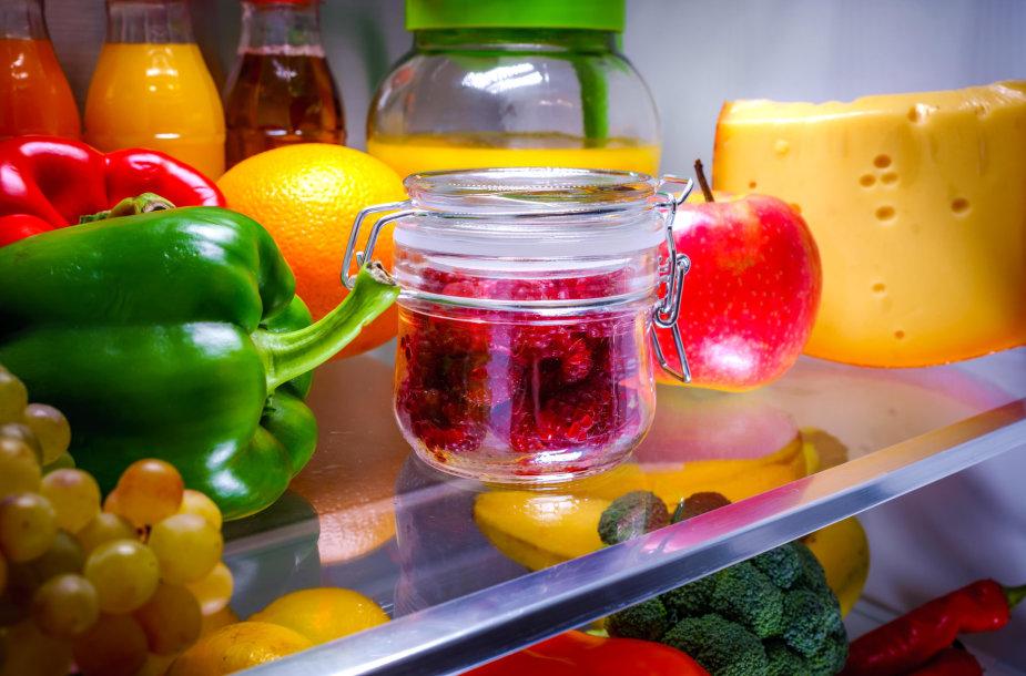 Daržovės ir vaisiai šaldytuve