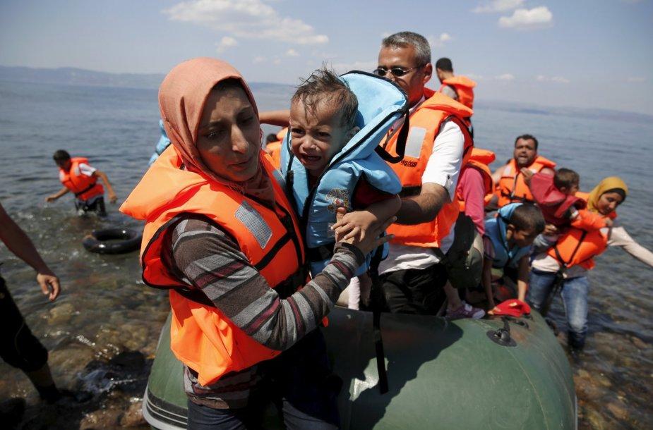 Rugpjūčio 23 diena. Pabėgėliai iš Sirijos, išsilaipinę Graikijos saloje