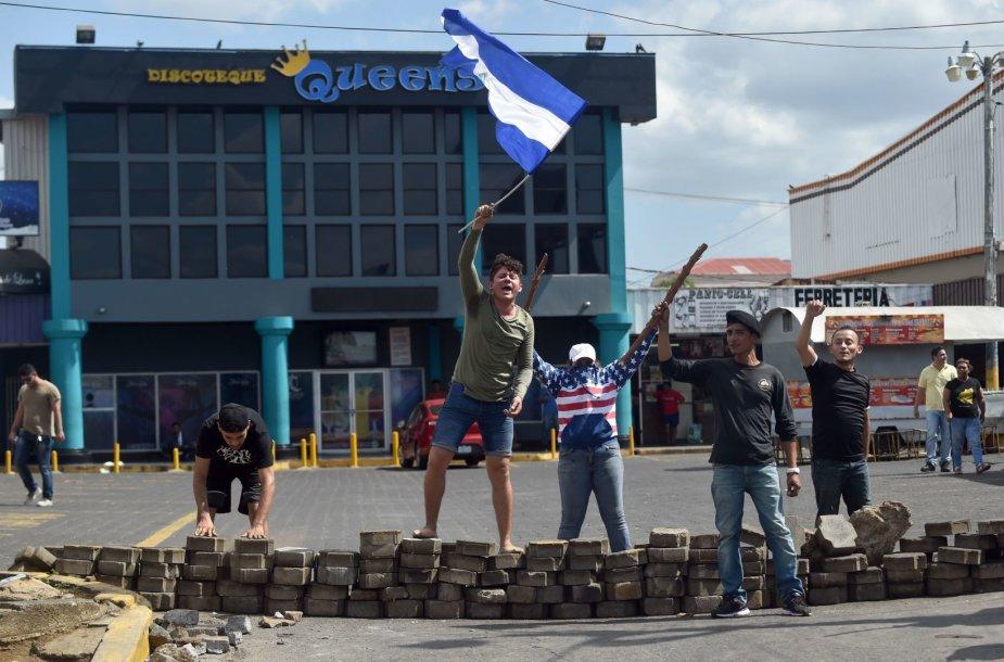 Protestai ir plėšimai Nikaragvoje