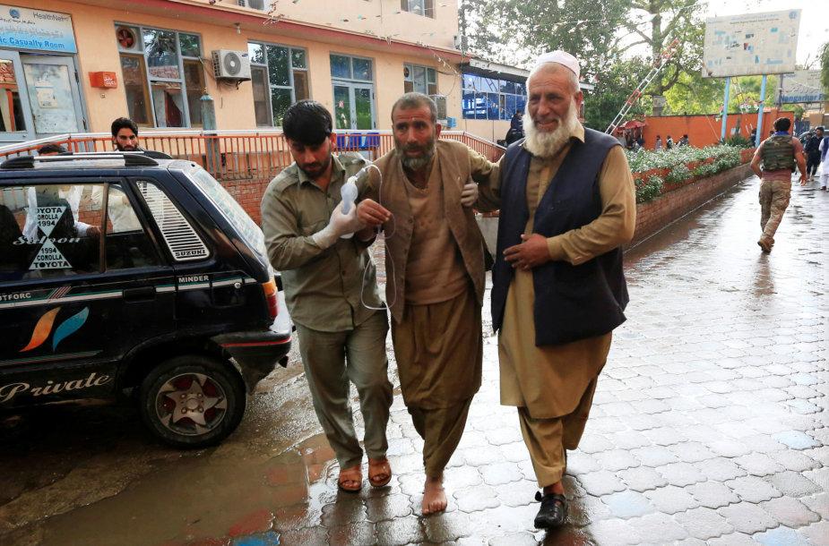 Afganistane per sprogimą mečetėje žuvo mažiausiai 28 žmonės
