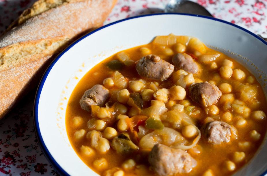 Tiršta mėsos ir avinžirnių sriuba