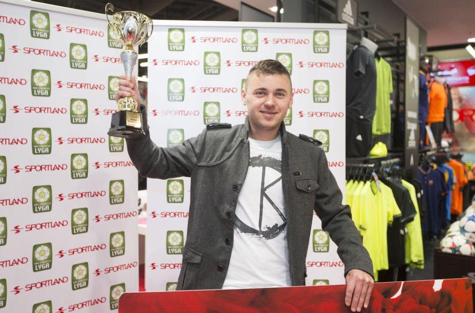 """""""Sportland"""" apdovanojo geriausią """"SMScredit.lt A lygos"""" čempionato III rato žaidėją Jurijų Mamajevą"""