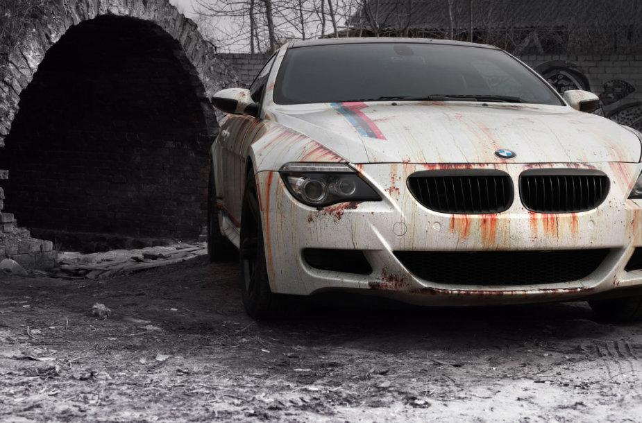 BMW M6 modelį pavertė pamirštu rūdžių kalnu