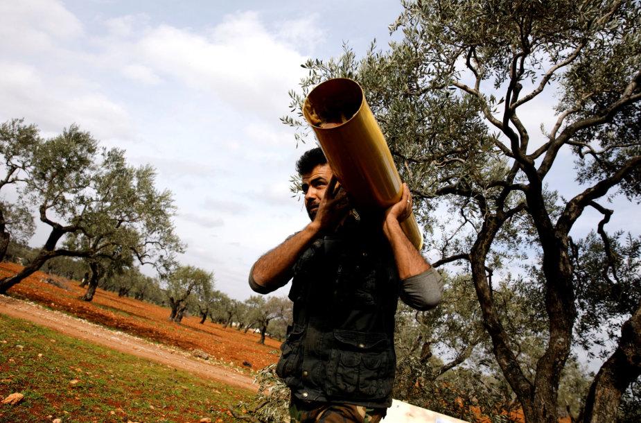Sirų kovotojas netoli Idlibo