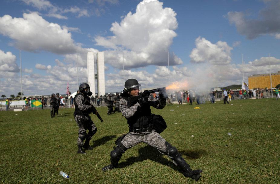 Riaušių policija Brazilijoje