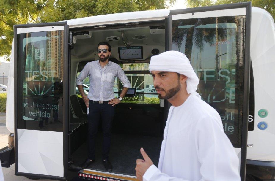 Po Dubajų važinėja autonominiai autobusai