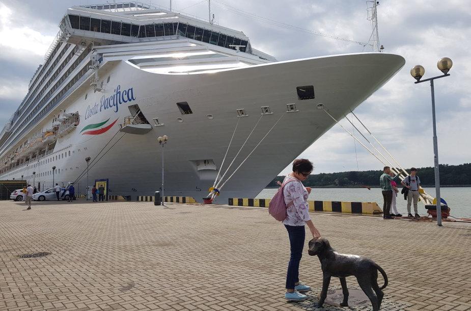 """Uostamiestyje vieši didžiulis kruizinis laivas """"Costa Pacifica"""""""