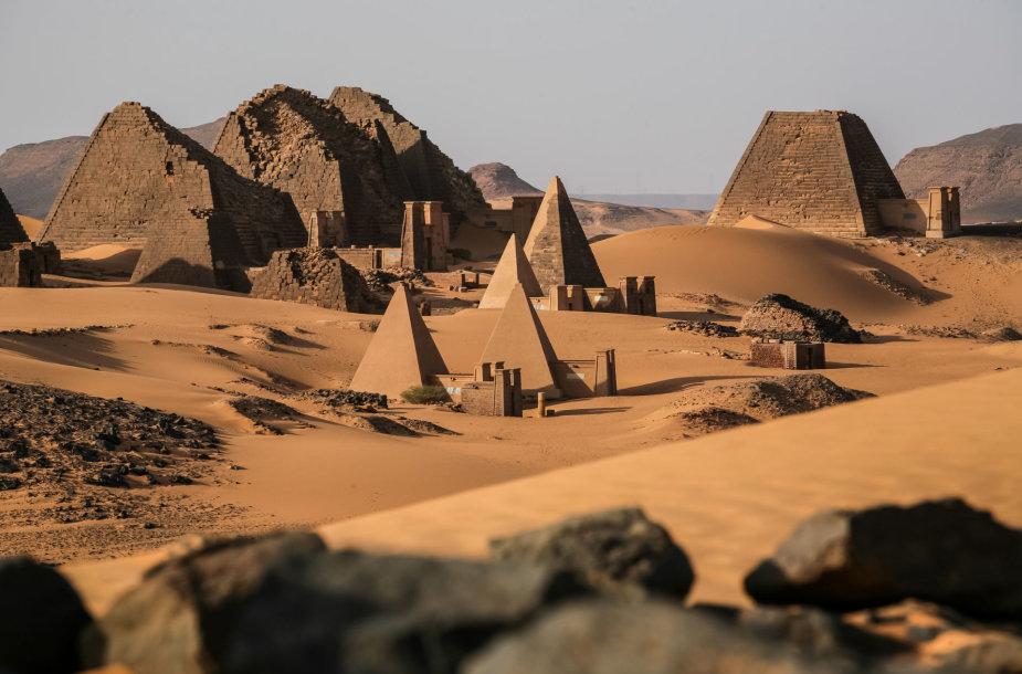 Kušo imperijos pietinės sostinės Merojės liekanos ir griuvėsiai, Sudanas, Afrika