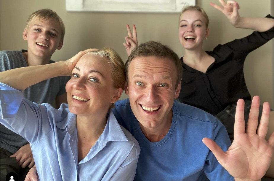 Aleksejus Navalnas su šeima